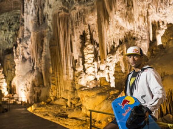 Rally Dakar 2014 - Wakeboard Duncan Zuur a través de una gruta